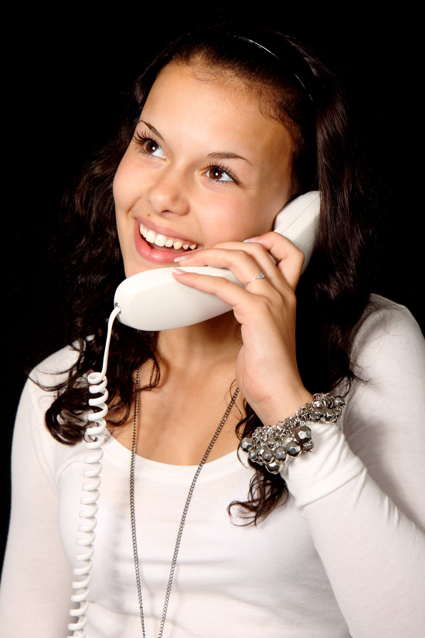 public domain picture woman with phone smiling id