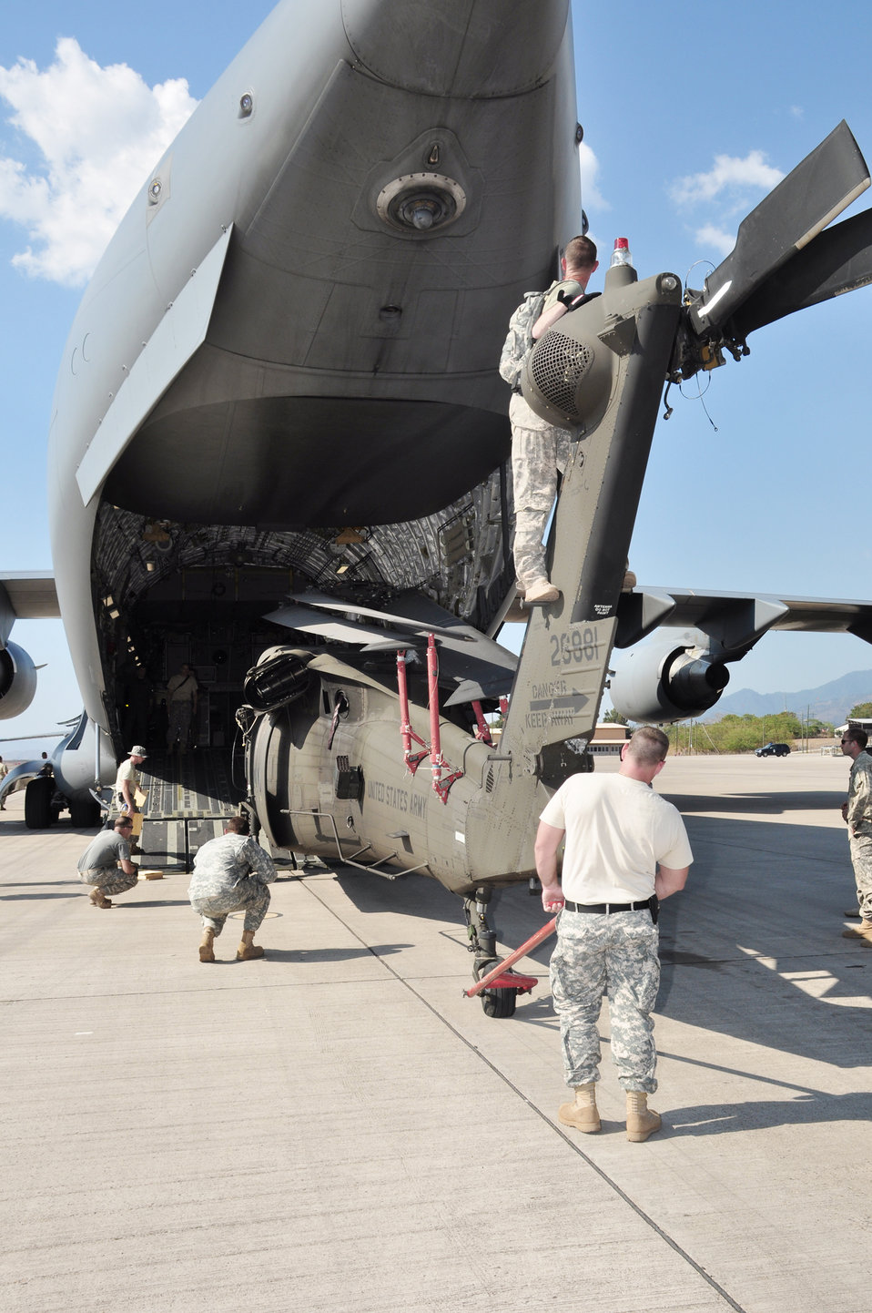 American servicemembers, helicopters deploy to Haiti